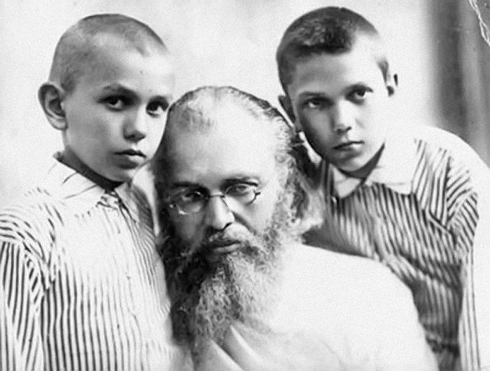 Акафист об исцелении св. Луке Крымскому