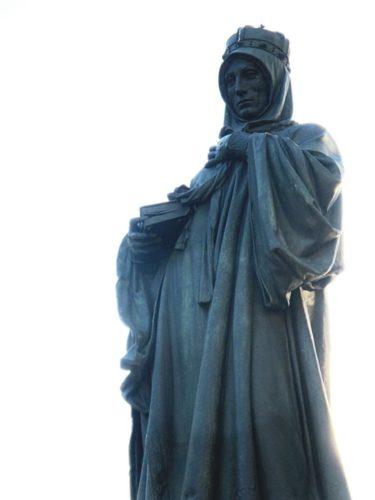 Памятник св. Людмилы в Праге