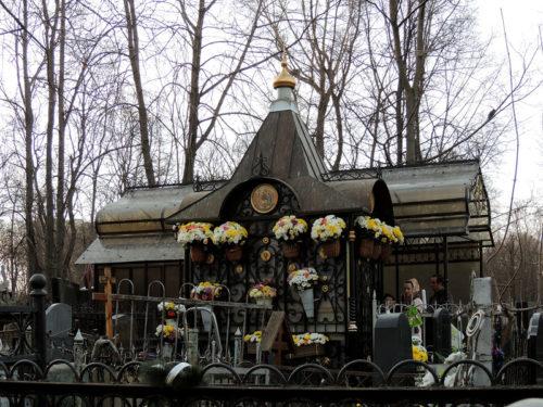 Место погребения святой Матроны на Даниловском кладбище Москвы