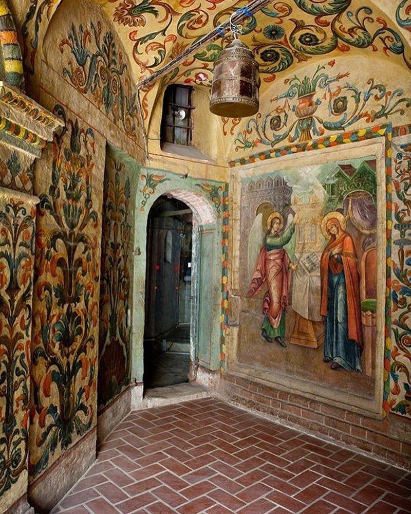 Храм Василия Блаженного внутри