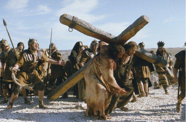"""Иисус Христос, кадры из фильма Мэла Гибсона """"Страсти Христовы"""""""