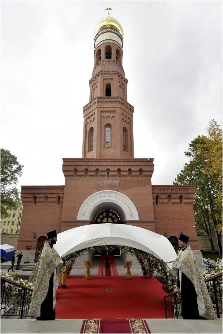 Новодевичий монастырь в Санкт-Петербурге, колокольня